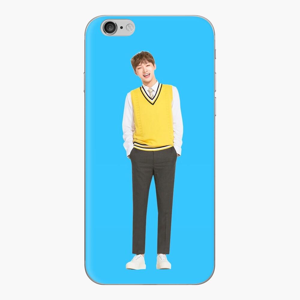 Wanna One x Ivy Club ft. Yoon Jisung (윤 지성) Vinilos y fundas para iPhone
