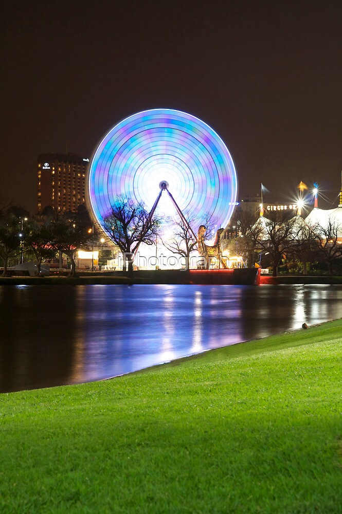 Ferris Wheel of Melbourne by iPhotograph