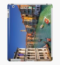 Light Traffic on the Grand Canal iPad Case/Skin