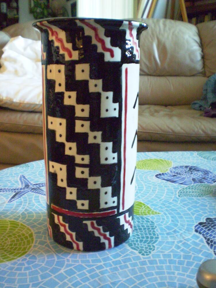 checkered vase by madvlad