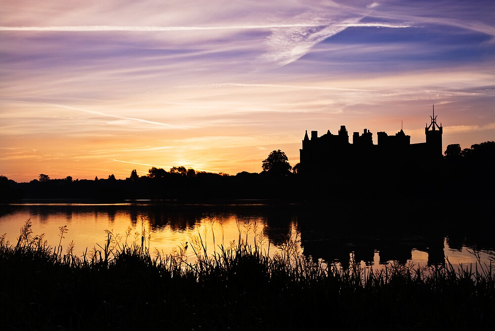 Linlithgow Palace Sunrise by David Queenan