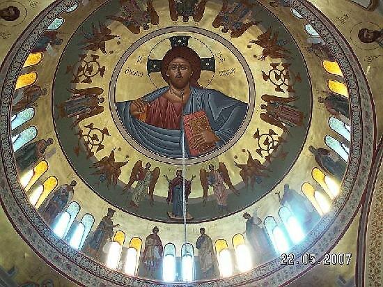 cupola of Kirchen Sarturin church, Fira, Greece by chord0