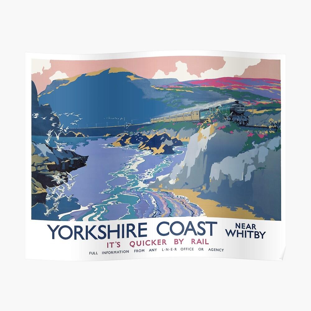 Yorkshire Coast in der Nähe von Whitby Es ist schneller mit der Bahn Poster