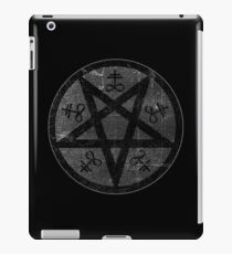 eVIL pENTAGRAM , bLACK mETAL sATANIC t-SHIRT,oCCULt  FAShIOn iPad Case/Skin