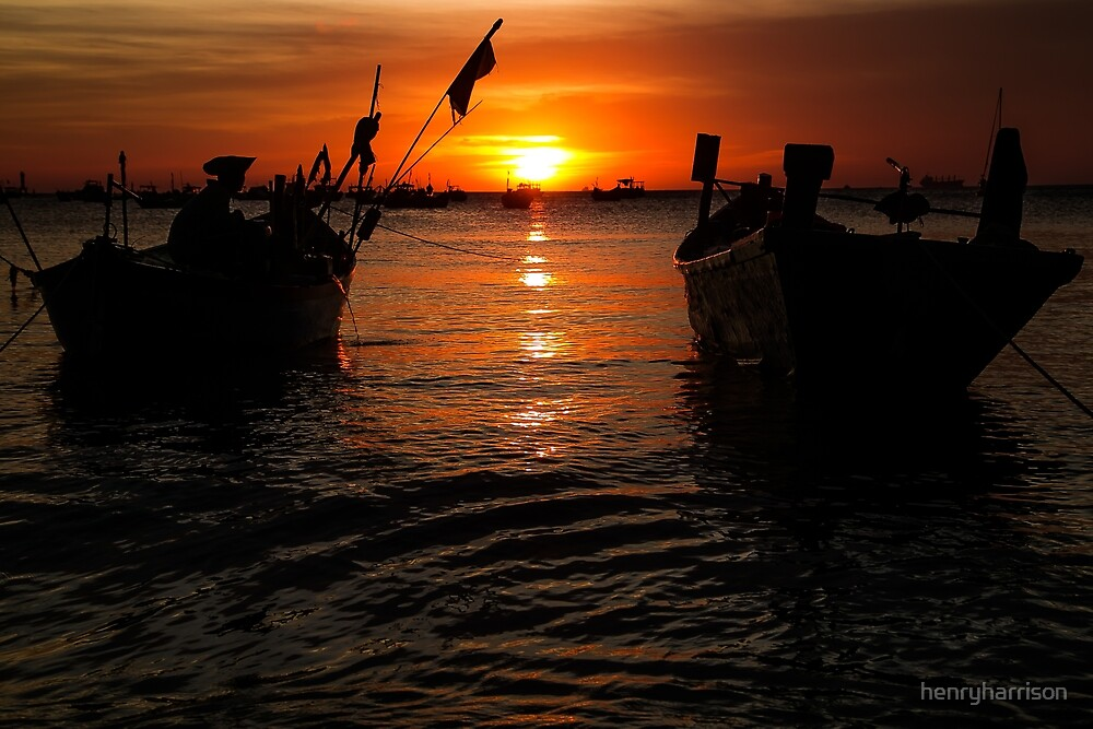Vietnam Sunset by henryharrison