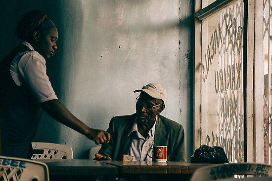 A bar in Kenya by soytribu