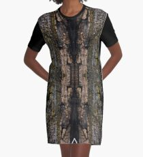Cool Brown wood bark with yellow lichen pattern Graphic T-Shirt Dress