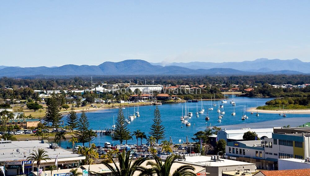 Over looking the Marina by Rodney Wratten
