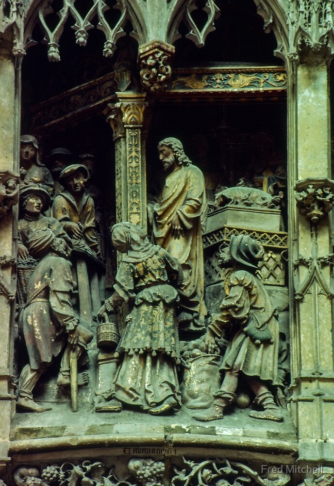 Statuary atuarnanu Cathedral Amiens France 19840821 0013  by Fred Mitchell