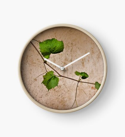 a day among the vines Clock