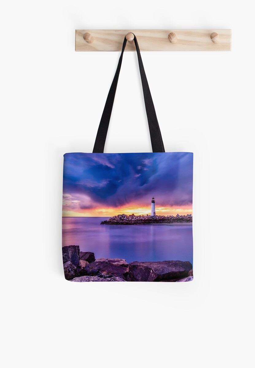 Santa Cruz California, Lighthouse by longdistgramma