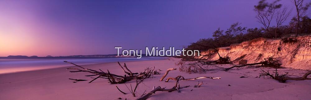 Rainbow glow by Tony Middleton