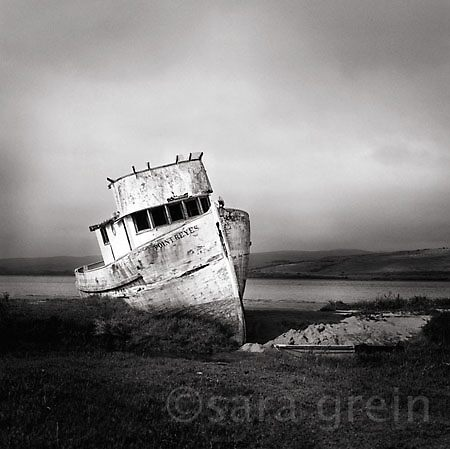 Old Boat by saragrein