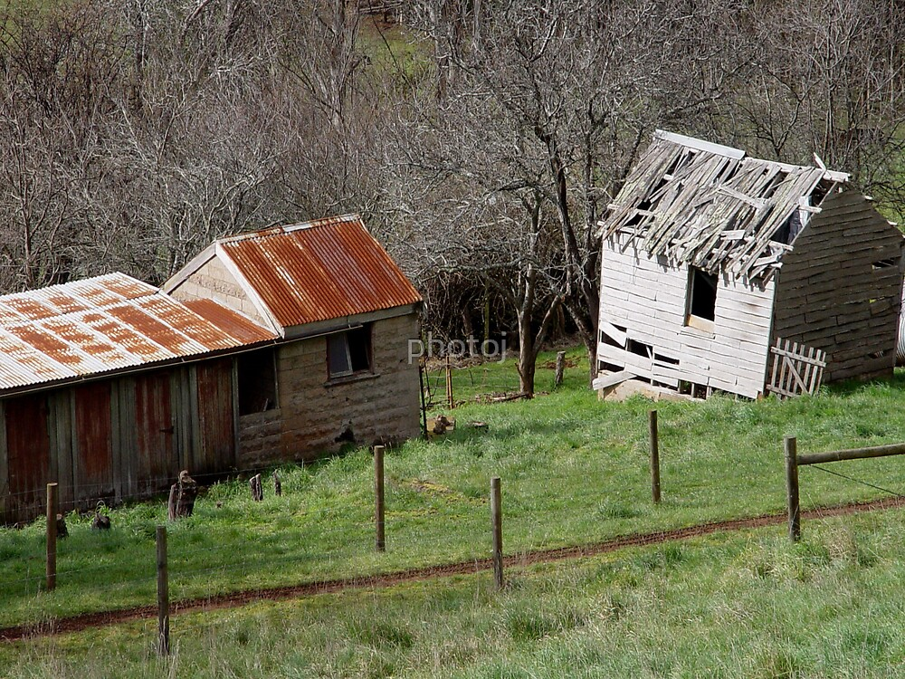 Tassie Old Barns by photoj