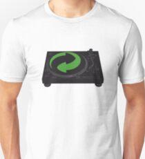 DJs love recycling Unisex T-Shirt