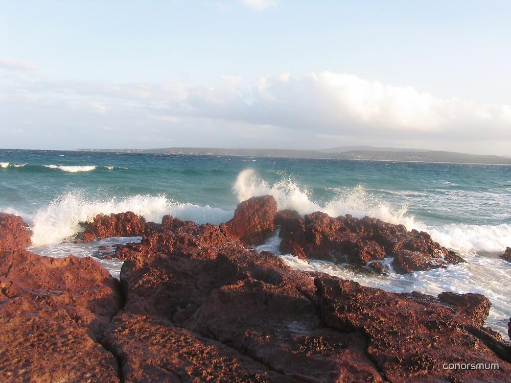 Big splash at Merimbula. by conorsmum