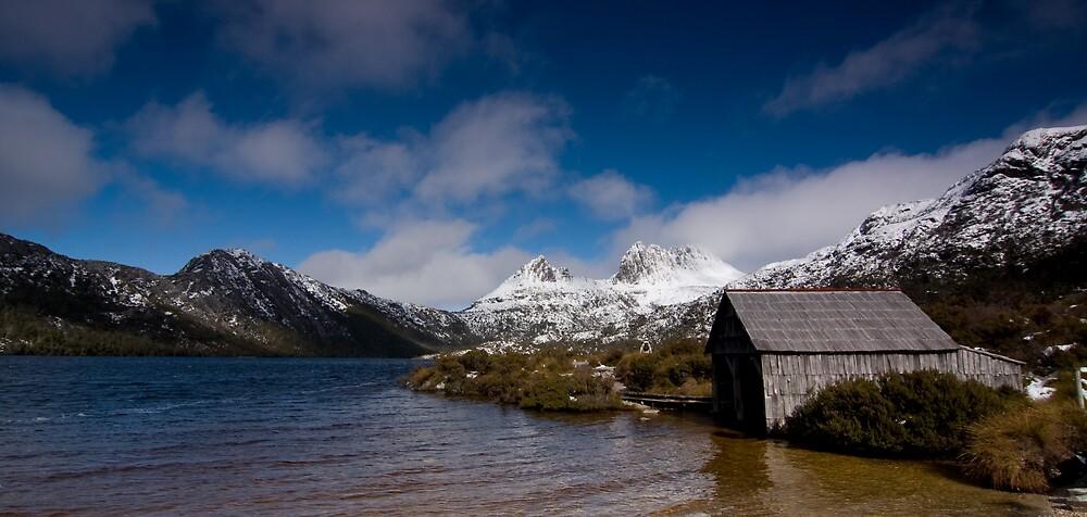 Dove Lake by Edward Hor