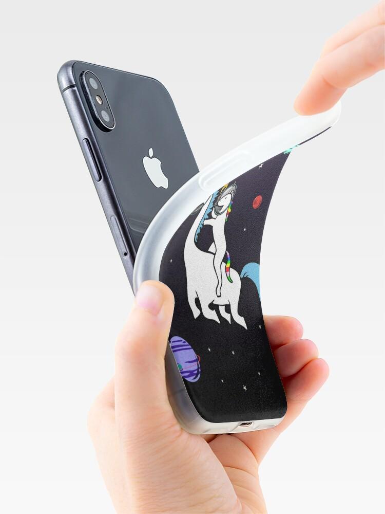 Vista alternativa de Funda y vinilo para iPhone Unicornio montando Dinocorn en el espacio