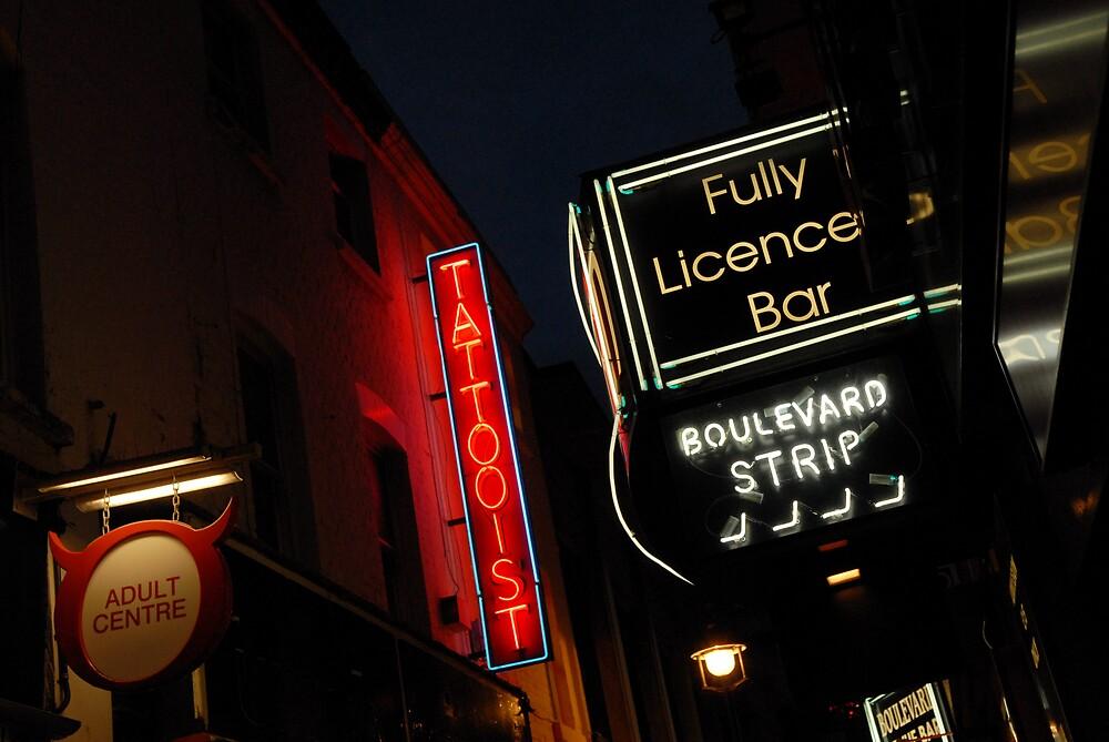 London Alley by Sam Appa