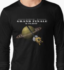 Cassini Grand finale mission to Saturn Long Sleeve T-Shirt