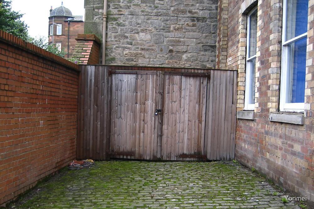 Wooden doors by Yonmei