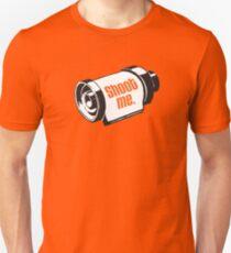 Camiseta unisex Dispárame rollo de película de 35 mm