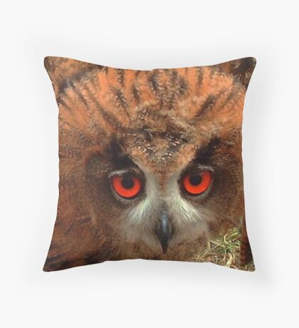 Indy her Eyes Throw Pillow