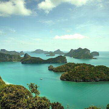 Angthong Archipelago  by hawkie