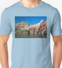 Rocky cliff face at Katherine Gorge, NT, Australia. Unisex T-Shirt
