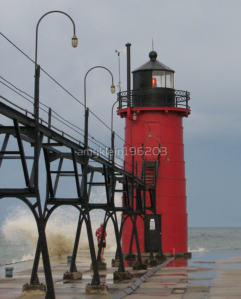 South Haven Lighthouse by amyklein196203