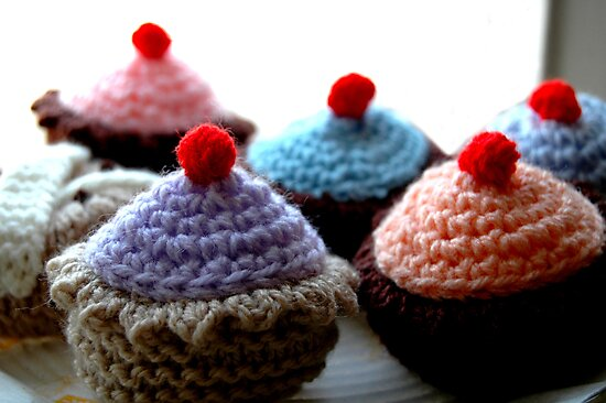 Knitted Cakes by JeZzLe