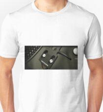 AKREALIK NEEDLE Unisex T-Shirt