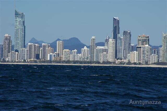 Gold Coast Horizon by Auntymazza