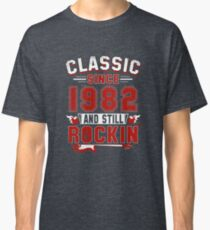 Classic Since 1982 Vintage 35th Birthday Pun Gift Classic T-Shirt