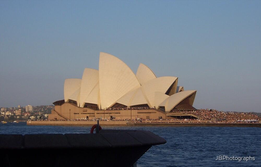 Sydney Opera House by JBPhotographs