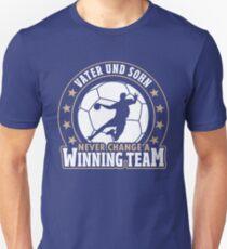 Handball ➢ Never Change A Winning Team ➢ Vater & Sohn T-Shirt
