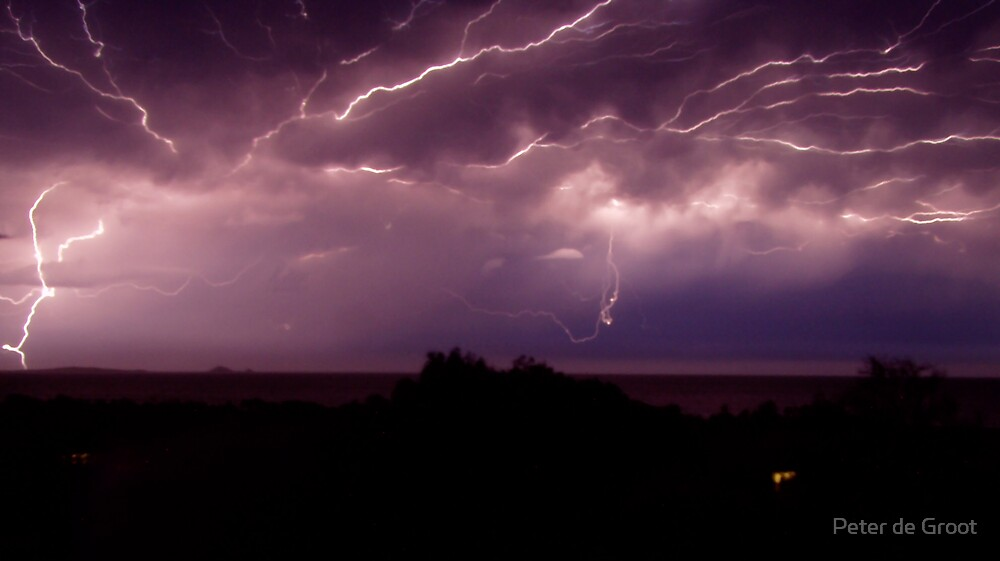 Lightning at Greenhill by Peter de Groot