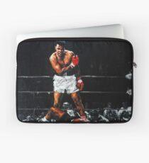 Muhammad Ali Knocks Out Sonny Liston Laptop Sleeve