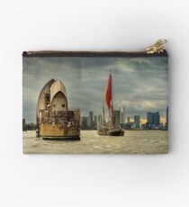 Icons of the Thames London Studio Pouch