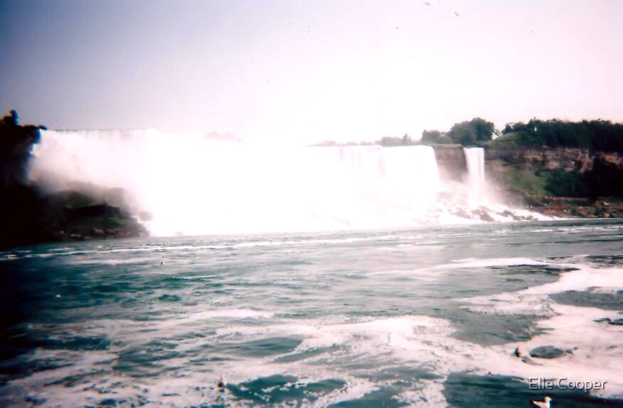 Niagara falls by Elle Cooper