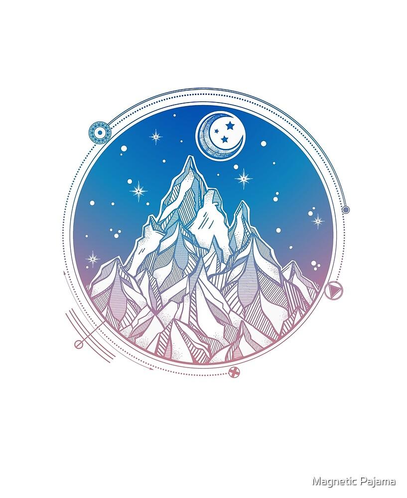 «Cordillera bajo las estrellas y la luna con geometría sagrada» de MagneticMama