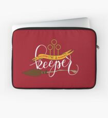 White 'I'm A Keeper' Pun - Red Laptop Sleeve