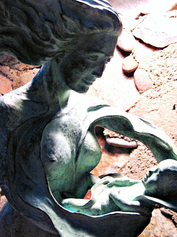 Statue by housenbaby