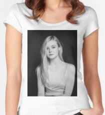 Elle Fanning Women's Fitted Scoop T-Shirt