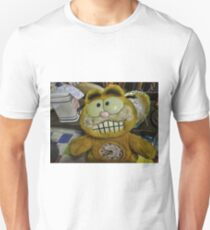 Garfield ate the canary! Unisex T-Shirt