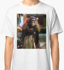 ET in dress Classic T-Shirt