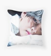 Taehyung Throw Pillow