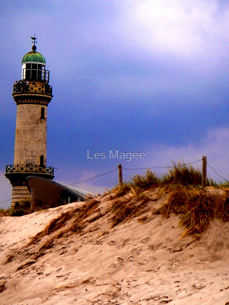 Lighthouse at Warnemunde by Les Magee