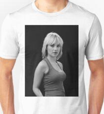 Elisha Cuthbert T-Shirt