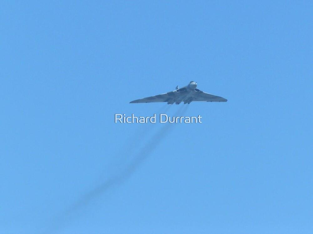Avro Vulcan XH558 - Lowestoft 2 by Richard Durrant